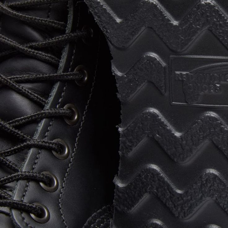 """Red Wing 8137 Heritage Work 6"""" Moc Toe Boot (All Black Chrome) 