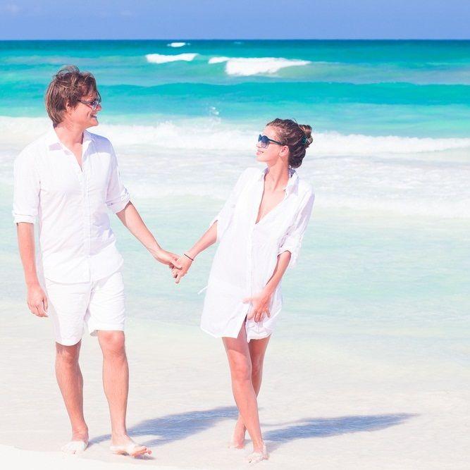 ボートで結婚式!?映画のようなロマンチックなウェディングフォト♪
