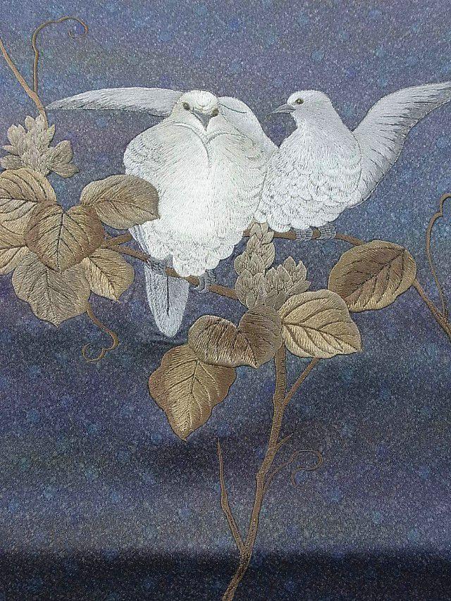 Dove design on an obi. Ichiroya.com