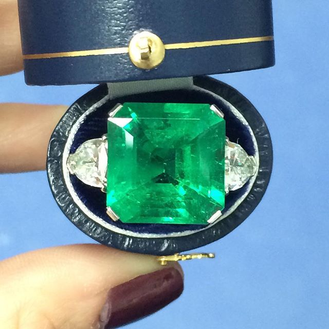 Nothing subtle about this glowing green gem - 15.32 carat Colombian emerald! #emerald #greenwithenvy #diamond