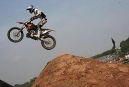 Motocross Weight-Training Exercises | LIVESTRONG.COM