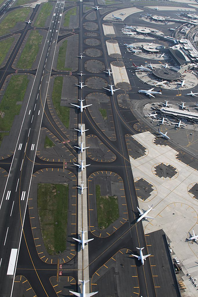 NEWARK LIBERTY INTERNATIONAL AIRPORT | NEWARK / ELIZABETH | NEW JERSEY | USA: *EWR; 3 Passenger Terminals; 3 Runways*