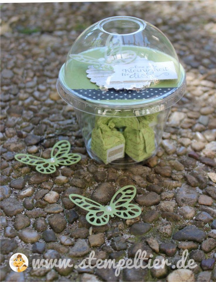 stampin up butterfly schmetterling domecup smoothiebecher Smoothie becher verpacken dombecher verpackung kleinigkeit wonderful wings thinlits olivgrün washi tape 01