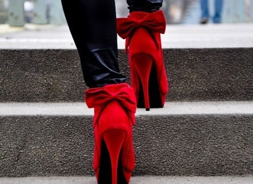 cute!: Fashion, Bows Ties, Bows Heels, Red Shoes, Red Heels, High Heels, Red Pumps, Bows Shoes, Red Bows