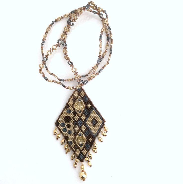 Collier KETIKO à pendentif losange doré et gris : Collier par ketiko