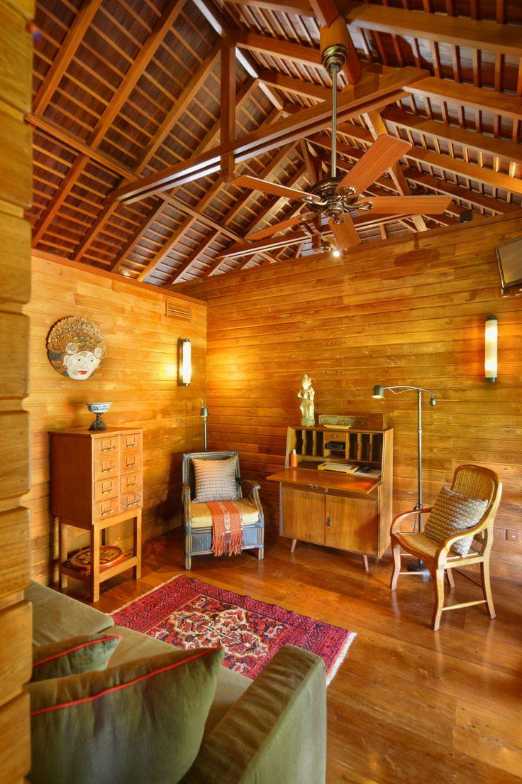 den room_ oost indies villa