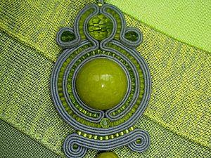 Кулон в технике сутажной вышивки | Ярмарка Мастеров - ручная работа, handmade