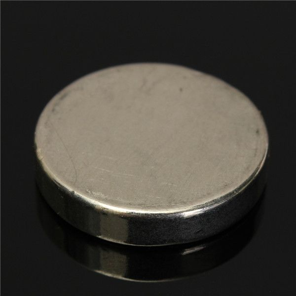 N52 25mm X 5mm Strong Round Disc Magnets Rare Earth Neodymium Magnet. Description: N52 25mm x 5mm Strong Round Disc Magnets Rare Earth Neodymium Magnet  Neodymium (chemical symbol Nd) is element 60 on the periodic table. It is a rare earth metal and forms one of the Lanthanides series. When added to Iron (Fe) and Boron (B) (chemical formula Nd14Fe21B) the resultant magnets are the strongest magnets currently available. Neodymium magnets are sometimes known as Neo, Neod or NIB magnets…