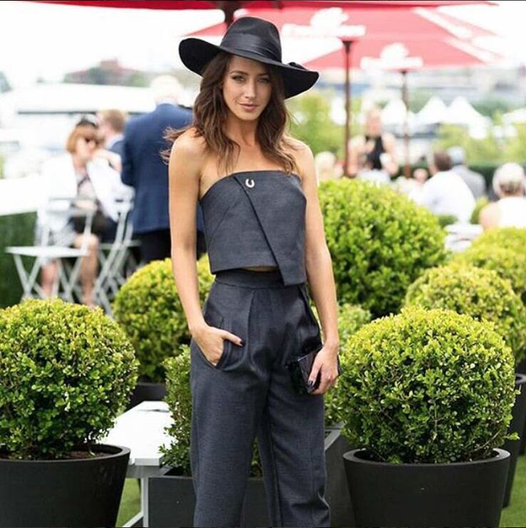 @isabellagiov nailing the tonal trend in @manningcartell and a glowing #StTropeztan at Melbourne Cup.