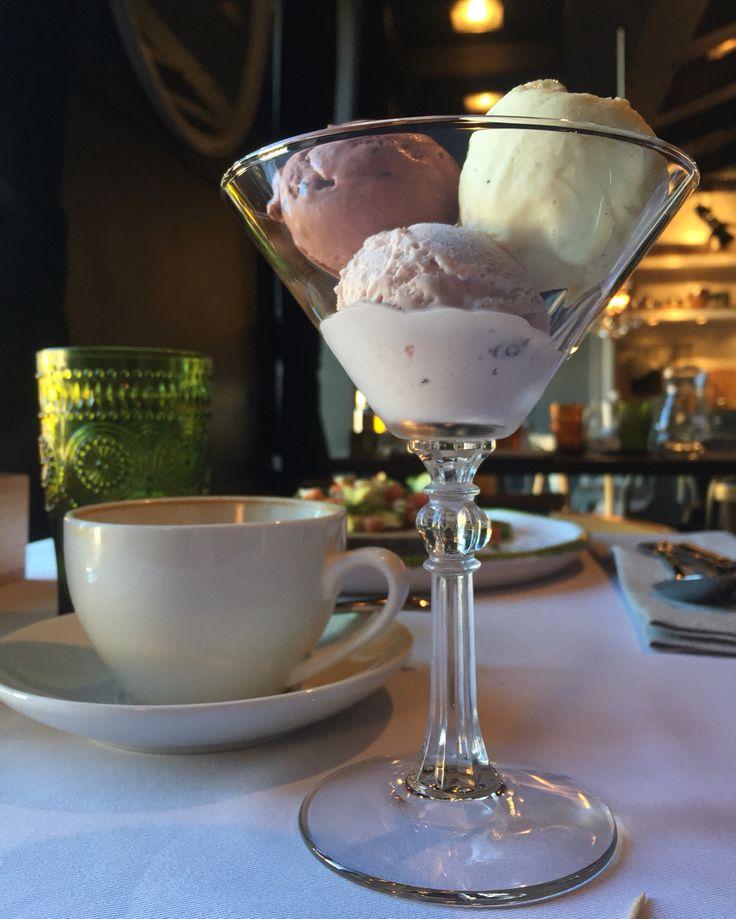 Домашнее мороженое. Шоколадное, ванильное, медовое, клюквенное, клубничное