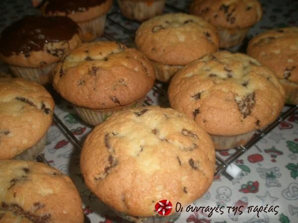 Πανεύκολα αφράτα muffins με σοκολάτα #sintagespareas
