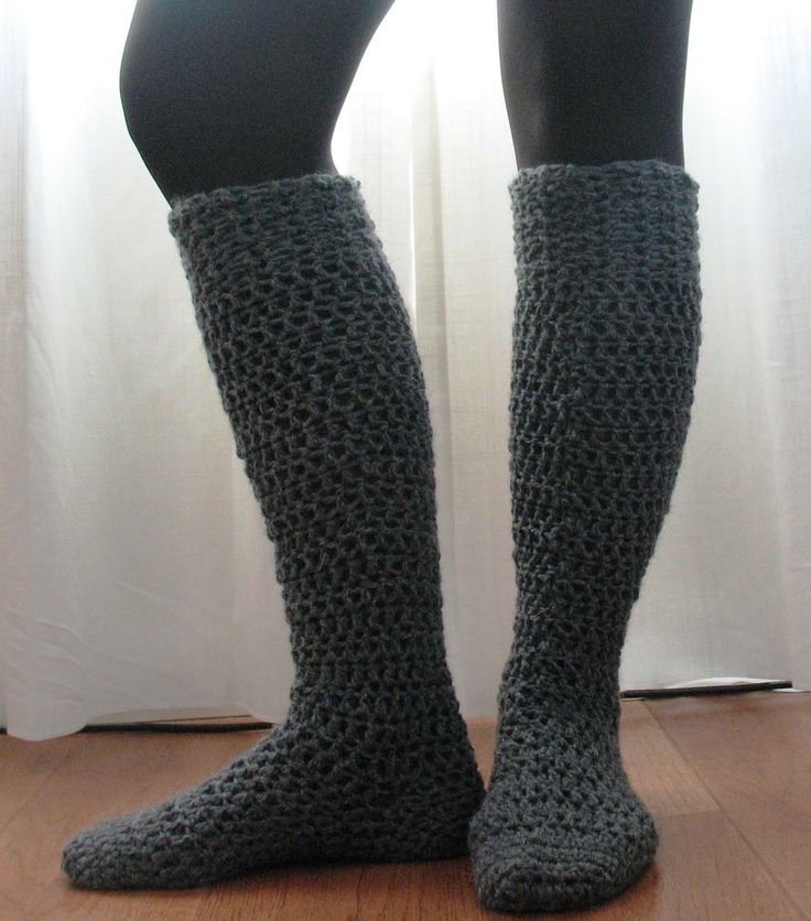 TOP 10 Free Crochet and Knit Patterns for Knee Socks That will Keep You Warm…