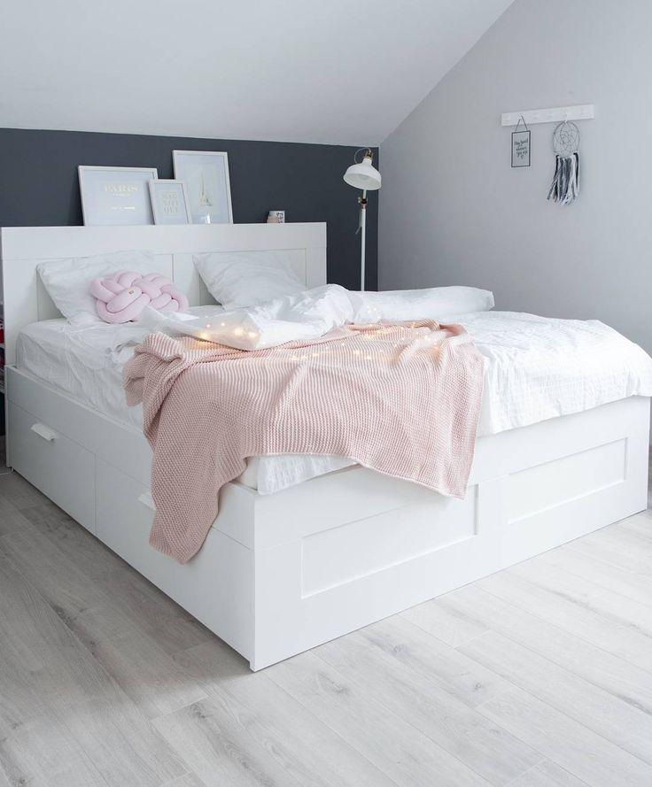Scandi bedroom, scandinavian style, Brimnes Ikea bed (@projekt_dom)