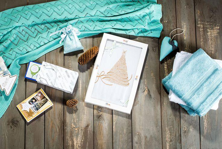 Идеи новогоднего оформления: наскатерники и полотенца, пледы и покрывала, декоративные новогодние элементы.