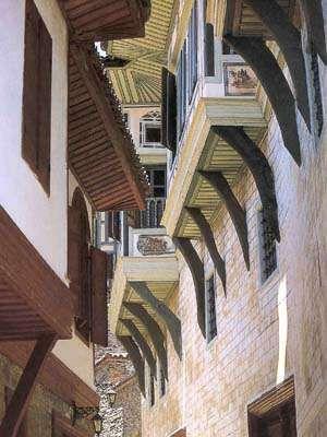 Traditional Turkish houses-Ottoman XVIII.-Birgi-Odemis, Izmi - Civilizations of Turkey - Images - Picture Gallery - Travelers' Stories About Turkey