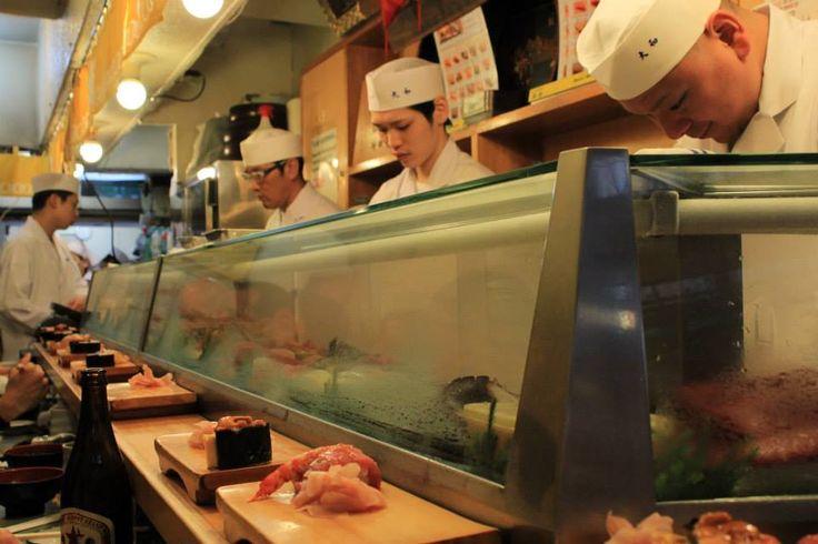 Tsukiji Fish Market - Sushi Breakfast in Sushi Dai