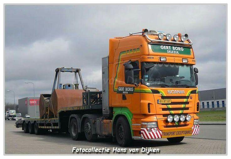 Scania. speciaaltransport uitschuiftreler.