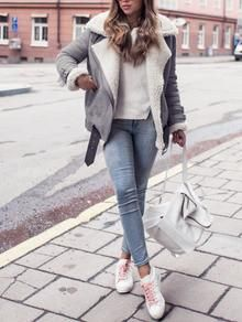 Grey Coat with Fur Lapel. The perfect trendy jacket for this winter. Fur lapel jacket makes the TOP 10 best jackets of the season. Perfect outfit of jacket and blue jeans. Fabric :Fabric has no stretc
