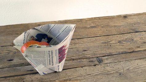 Tüte für Biomüll aus Zeitungspapier falten