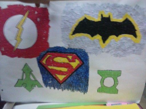 Mozaico de simbolos (the flash, superman, bataman, flecha verde, linterna verde