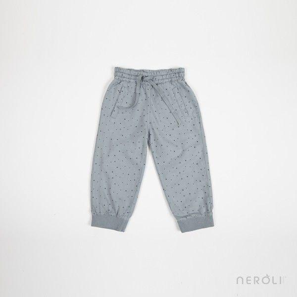 Pantalón de algodón gris estampado con estrellas para niña de Búho. #girl #trousers #fashion #NeroliByNagore #SS14 #Buhobcn