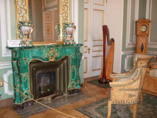 Fireplace of the Youssoupov Palace, circa 1860, Saint-Petersburg. #malachite #art #fireplace #19thcentury #Youssoupov #palace #stpetersbourg