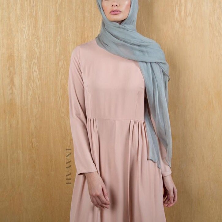 Modesty and elegance intertwined - Dusky Pink #Maxi with Skirt Overlay + Feather Grey Maxi Silk Chiffon #Hijab - www.inayah.co