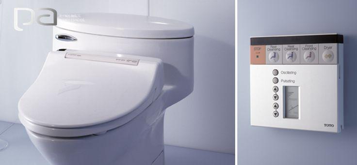 Washlet S300 de TOTO USA  Un producto de lujo y ecológico al mismo tiempo gracias a su ahorro de agua. En un diseño moderno con una tecnología que cambia por completo la experiencia del baño. Este sanitario está completamente automatizado y cuando lo desea puedes personalizar sus funciones con su control remoto.