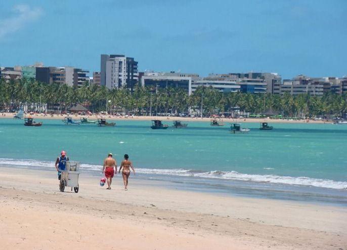 Pajuçara Beach - Maceió, Alagoas