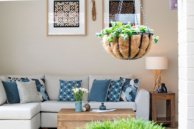 Living & dining areas flow to garden