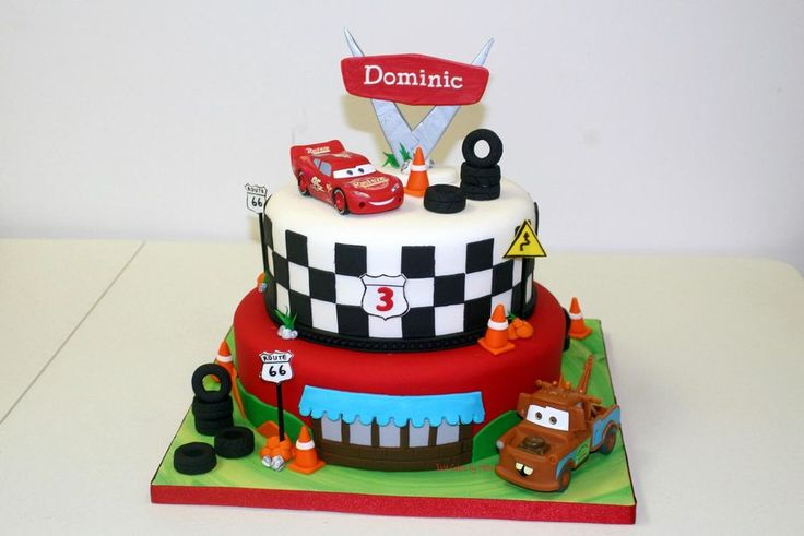 This gorgeous Cars Cake is perfect for any little boy's party.  | Disney Cakes | Disney Cake Ideas | Disney Cakes for Boys | Lightening McQueen Cake | Tow Mater Cake |