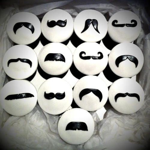 27 Awesome Mustache Cupcakes
