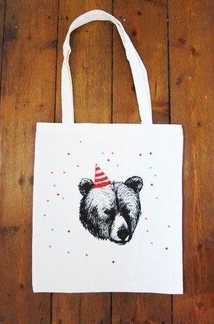 Öko-Baumwolltasche mit Siebdruck Print.    Lange Henkel zum über die Schulter hängen.