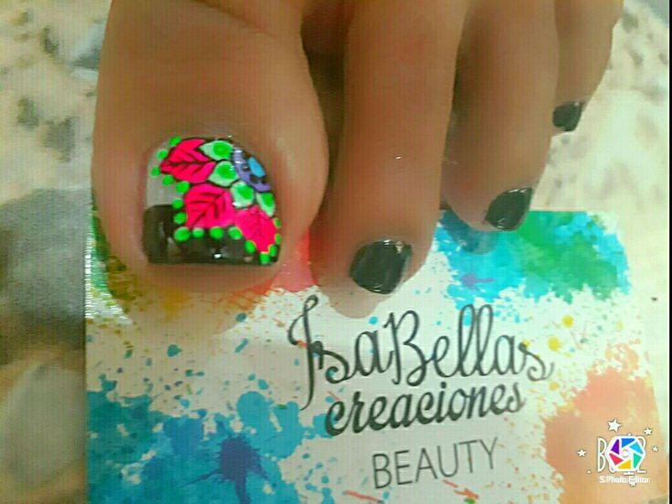 #arteconamor #uñaslindas #beauty #Isabel #mandalas #decoraciónennegro #pies #nails #masglo