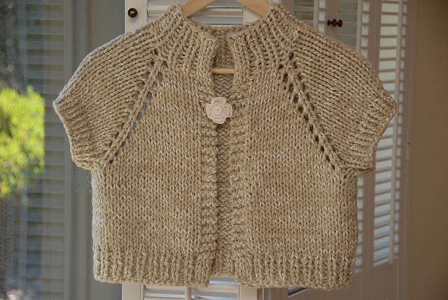 Anthropologie-inspired Chunky Knit Shrug 粗編小外套 - top-down - free pattern