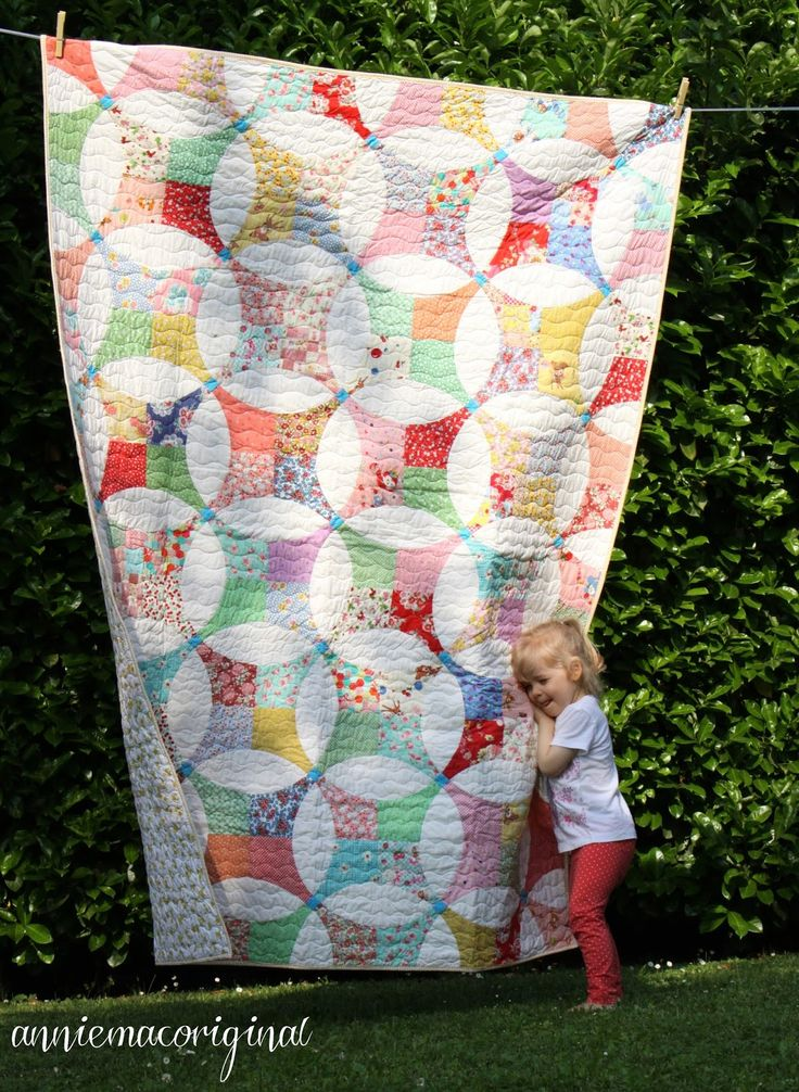 Friday Finish - Flowering Snowball Quilt | anniemac original