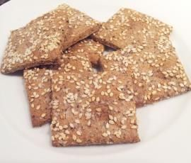 Recipe Grain-free Crackers by Nyree Yali - Recipe of category Baking - savoury