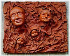 Venetiaanse maskers van Pretex. Misschien een werkstuk van klei en daarna textiel toevoegen met pretex verharden?
