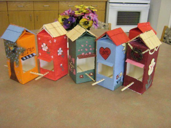 More milk carton bird feeders! Too cute! Great craft idea for kids or seniors.