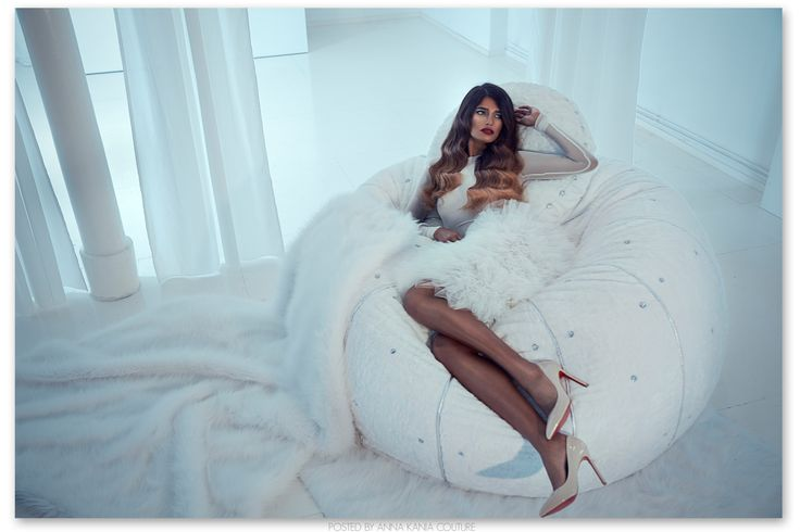 FOTO SHOOTING ANNA KANIA COUTURE Dress: Anna Kania Couture Wohnaccessoires: Dorothee Friese Photographer: Jessica Prautzsch Model: Maria Hair + Make Up: Tanja Gravina #gown #tulle #white #fur #transparent #couture #high fashion #shooting #model #applications #lamb #pearls #swarovski #ornaments #mermaid #wedding #embroidering #stretch #train #avantgarde #glamour www.annakania.de