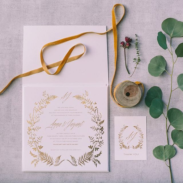 Foliage wedding stationery captured by talented photographer @pahountisg for a styled photo shoot organized by @love4wed   www.atelier-invitations.gr   Προσκλητήρια