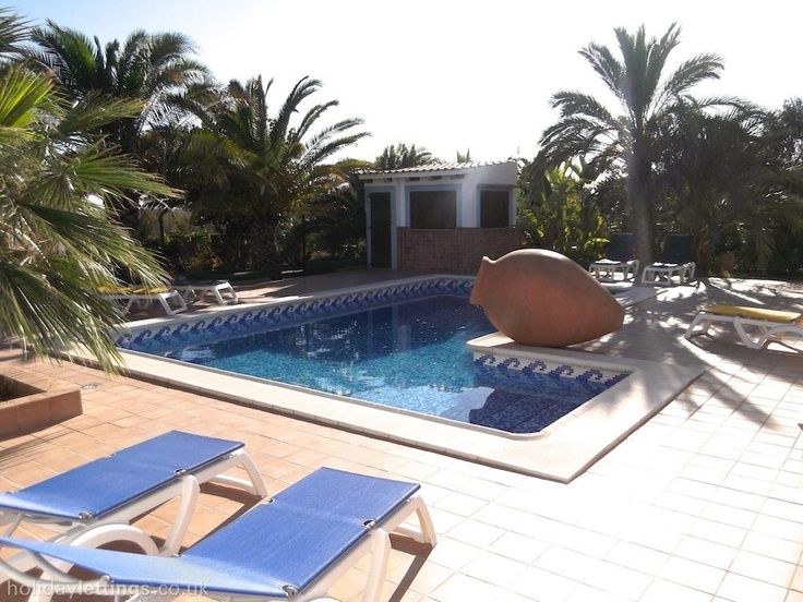 5 bedroom villa in Ibiza Town to rent from £855 pw, with a private pool. Also with wheelchair access, solarium, balcony/terrace, log fire, air con, TV and DVD.