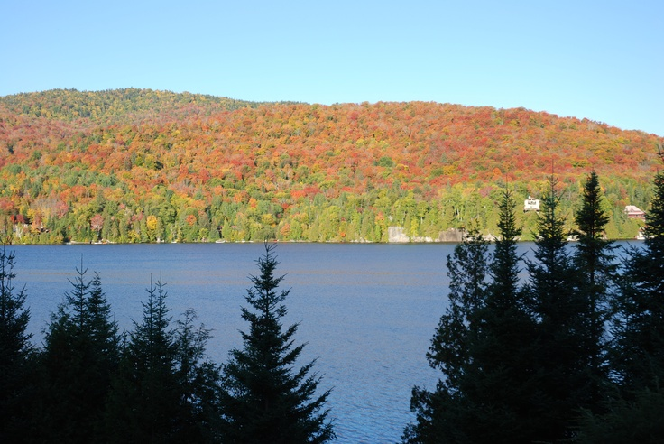 Le Lac Archambault - St-Donat Québec Canada in the fall