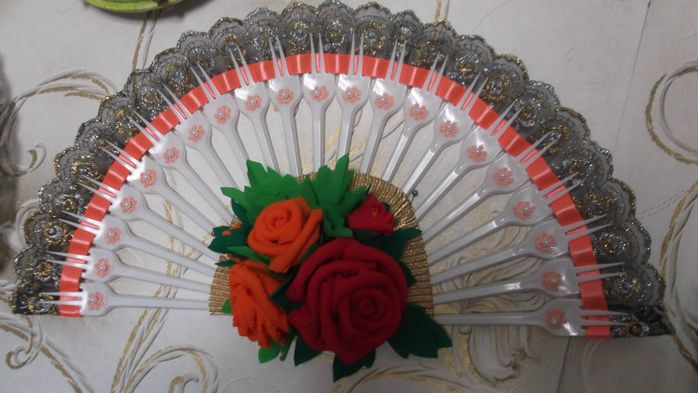 Made with plastic forks projects to try pinterest for Crafts with plastic spoons and forks