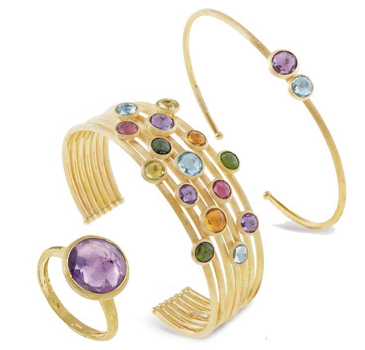 Marco Bicego ha scelto proprio Jaipur come nome della sua collezione di gioielli dell'estate 2016. Anelli, bracciali e orecchini dalla forme flessibili con splendide pietre incastonate.