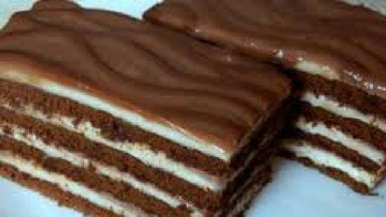 Vynikajúce krémovo-čokoládové rezy, ktoré nemusíte piecť, sú hotové rýchlo a sú neskutočne chutné! Určite ich vyskúšajte!...