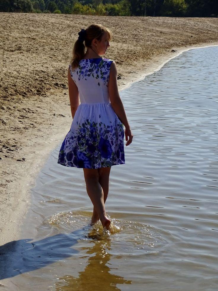 sukienka Burda 8/2012 model 133; dress