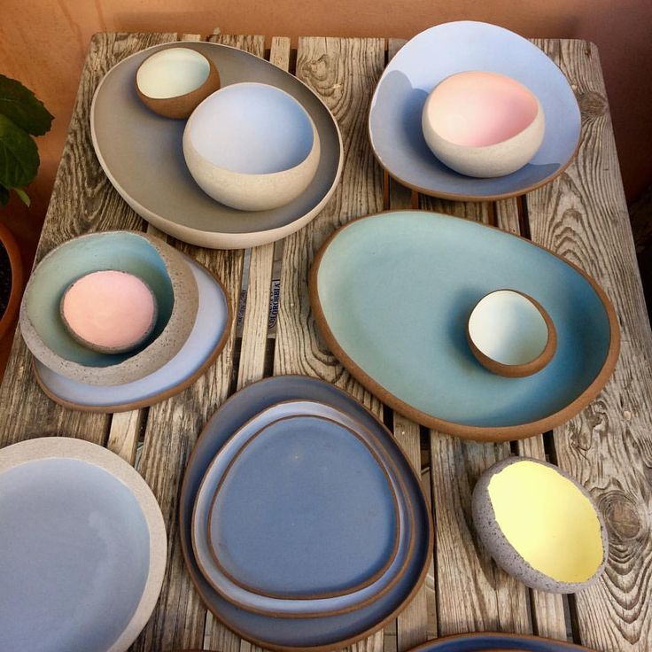 "617 Me gusta, 19 comentarios - Myrto Zirini Ceramics (@myrtozirini) en Instagram: ""Ready for glazing, always fascinated by the soft shadows and colour hews of bisque. • #myrtozirini…"""