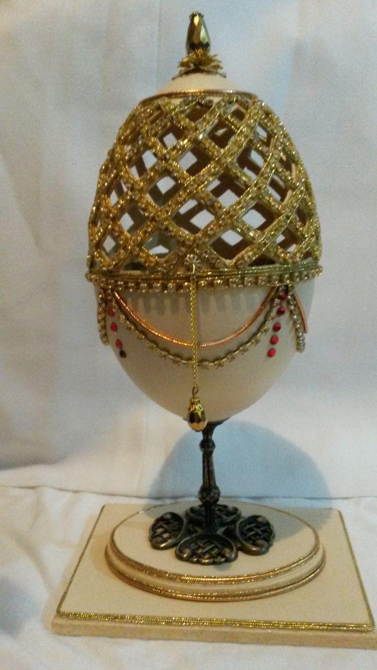 Cofre en cáscara de huevo de ñandú