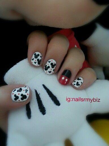 Disney nails. Mickey Mouse.... For more nail art inspiration check out ig: nailsrmybiz
